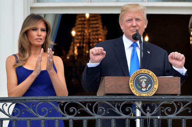 Donald Trump et sa femme Melania lors du pique nique du 4 juillet sur la pelouse de la Maison Blanche...
