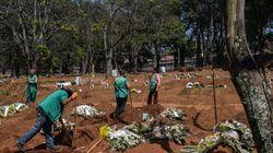 Média semanal de mortes por covid-19 cai no Brasil, mas cresce em 5