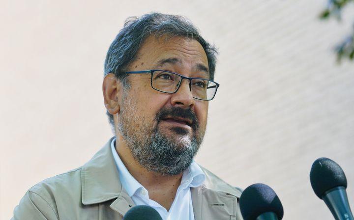Andrés Fontecilla estime que Québec «se prive de main-d'oeuvre en santé pour des raisons idéologiques et électoralistes» alors que sévit présentement une deuxième vague de COVID-19.