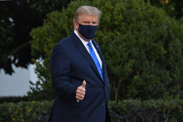 Donald Trump abandona la Casa Blanca hacia el Hospital Walter Reed Military Medical