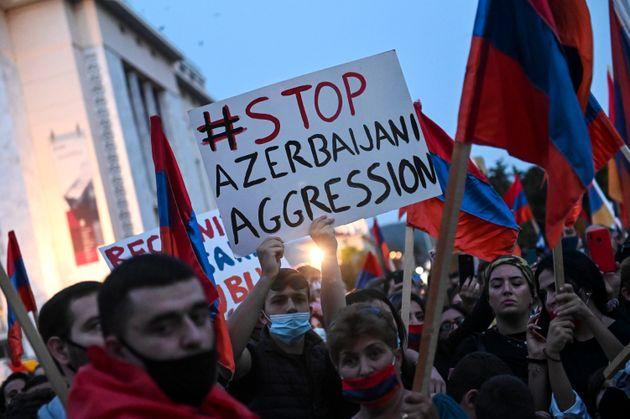 Συγκέντρωση Αρμενίων...