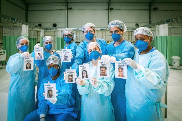 A equipe médica de Sob Pressão, que trabalhará em um hospital de campanha, em plantão...