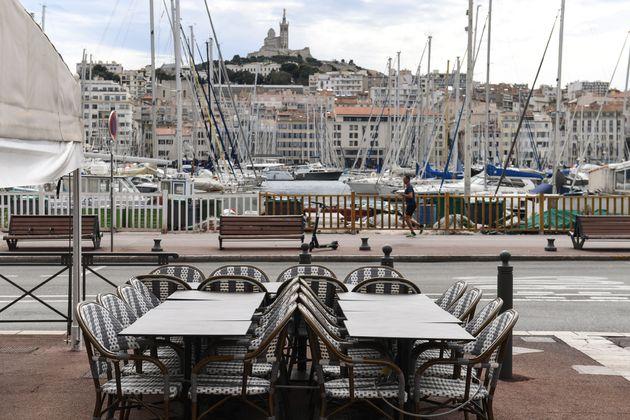 Les restaurateurs d'Aix et Marseille annoncent qu'ils vont rouvrir dès lundi (Photo d'une terrasse...