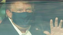 トランプ大統領「愛国者にちょっとしたサプライズ」⇨新型コロナで入院中の病院を出て、車中から手を振る