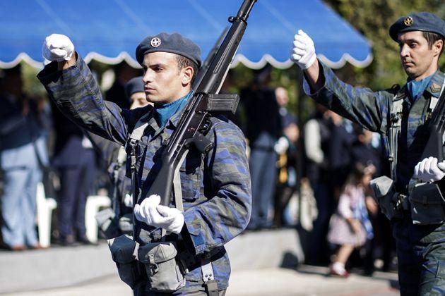 Στοπ στις μαθητικές και στρατιωτικές παρελάσεις της 28ης Οκτωβρίου από τον