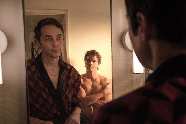 Jim Parsons (à esquerda) e Matt Bomer em cena de