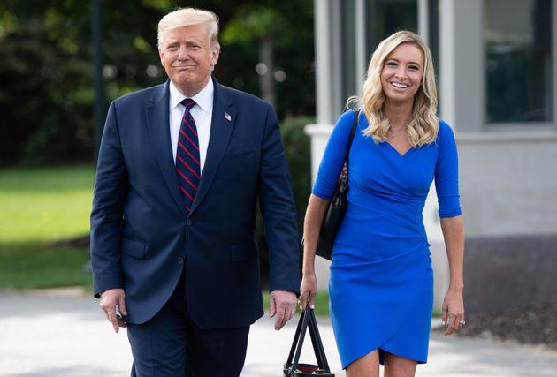 Donald Trump et la porte-parole de la Maison Blanche,Kayleigh McEnany, à Washington, le...