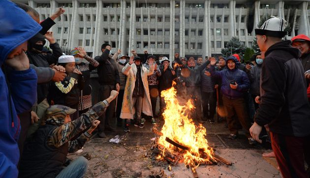 Scontri dopo il voto in Kirghizistan. Elezioni