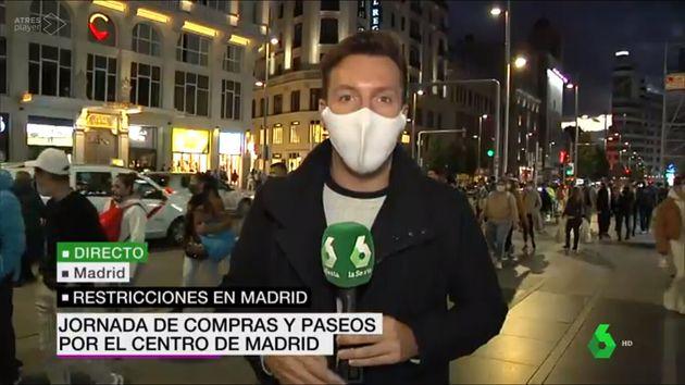 Iván Abio en la Gran Vía de Madrid durante 'laSexta