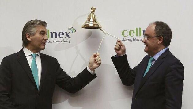 El presidente de Cellnex, Francisco Reynés, y el consejero delegado, Tobías Martínez, durante el estreno...