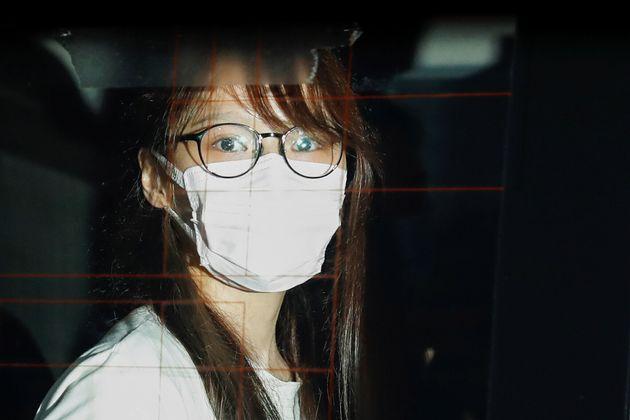 香港国家安全維持法違反の疑いで逮捕された香港の民主活動家、周庭(アグネス・チョウ)さん=2020年8月10日撮影、ロイター