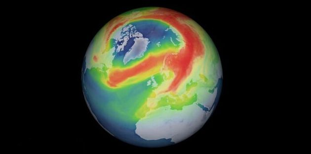 l buco dell'ozono sull'Artico visto dal satellite europeo Sentinel-5P (fonte: modified Copernicus data...