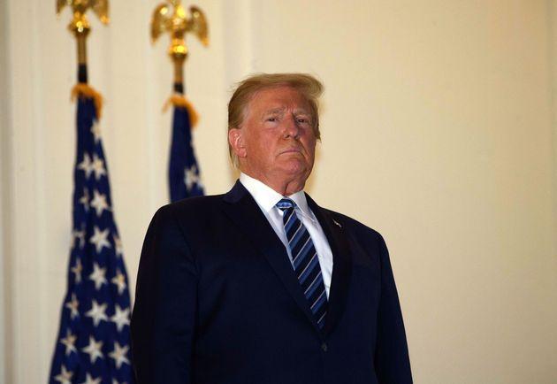 Au lendemain de sa sortie de l'hôpital, Donald Trump (ici sur le balcon de la Maison Blanche le...