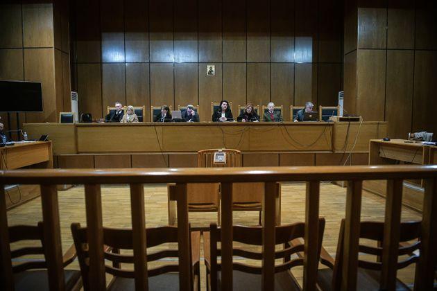 Χρονικό 5,5 χρόνων ακροαματικής διαδικασίας στην Δίκη της Χρυσής Αυγής.Η σύνθεση της έδρας , Δευτέρα...