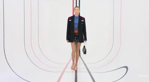 Lila Grace Moss-Hack fait ses premiers pas à la Fashion