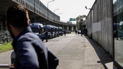 Covid: 60 positivi su 72, rivolta in centro migranti a