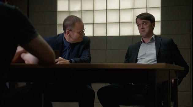 Les enquêteurs Bruno Gagné (Michel Charette) et Patrick Bissonnette (Vincent-Guillaume Otis)...