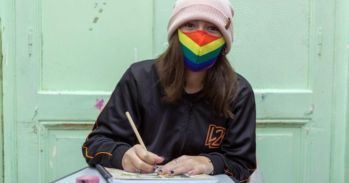 'Incapaz de aprender': Os desafios de pessoas trans nas escolas e universidades da América Latina