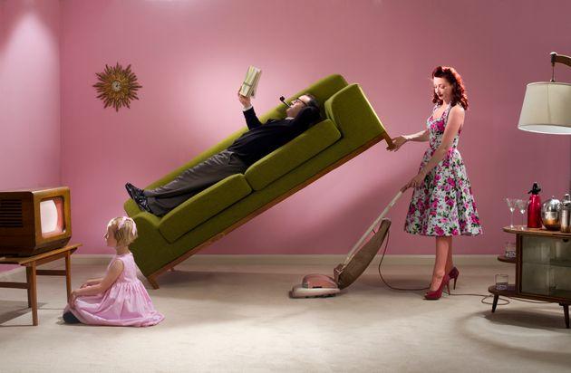 Più che una casalinga per ogni comune ci vorrebbe una femminista per ogni