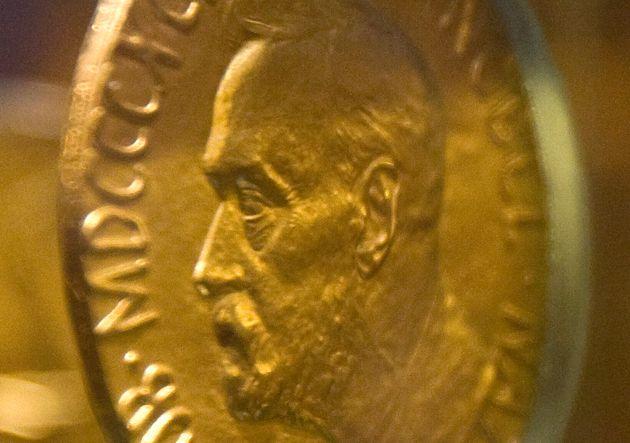 Pourquoi le prix Nobel de la paix (ici la médaille décernée en 1921 à Christian L. Lange) ne sera pas...