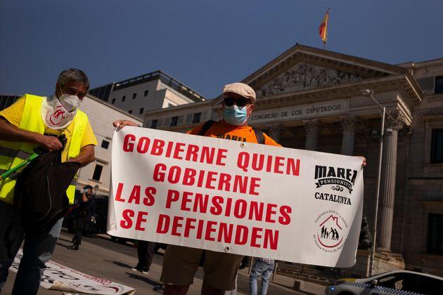 Una manifestación de pensionistas frente al