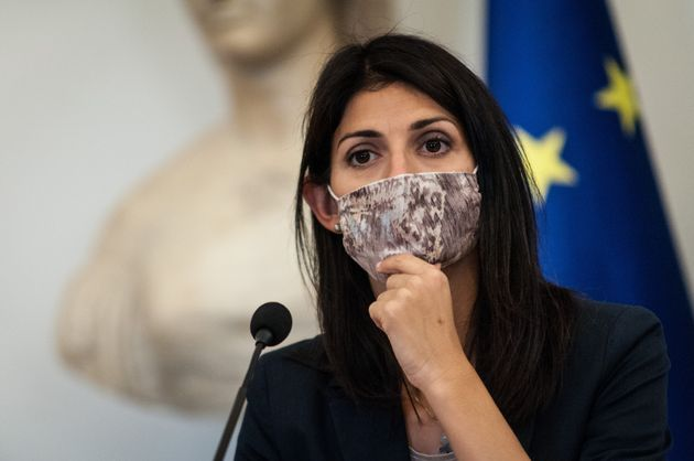 The Mayor of Rome Virginia Raggi presented the #RomeSafeTourism stamp together with the trade associations...