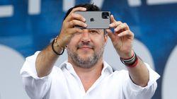 La rivoluzione liberale di Salvini è come un indovinello avvolto in un mistero all'interno di un