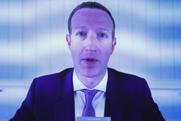 Mark Zuckerberg, CEO y fundador de Facebook, testifica por videoconferencia ante el comité judicial...