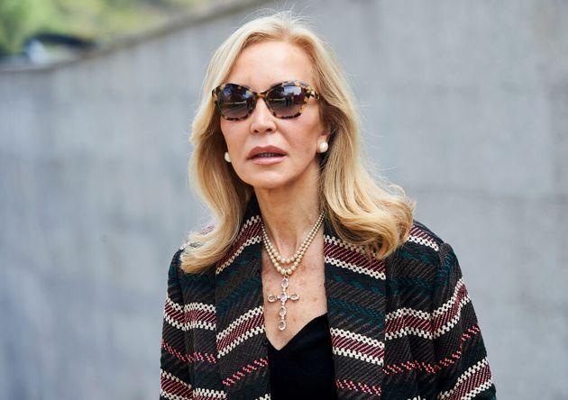 Carmen Lomana, con gafas de
