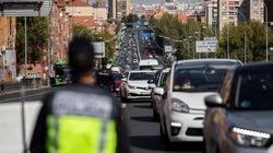 Atascos en algunas salidas de Madrid por los primeros controles tras el estado de