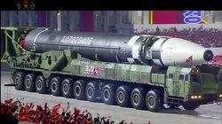 北朝鮮が軍事パレードで「核保有」強調も、アメリカへの敵対色を抑える