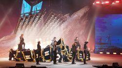BTS가 온라인 콘서트의 장벽을 넘어서고 팬들과 소통한 방법 : 증강현실, 채팅창, '아미밤'