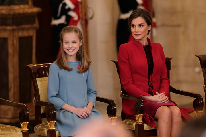 La reina Letizia y la princesa Leonor en el acto de entrega del Toisón de Oro el 30 de enero de 2018.