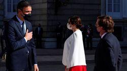 Sánchez y Díaz Ayuso se reencuentran tras el choque por la gestión de la