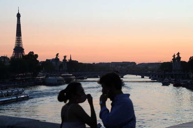 Le gouvernement incite les Français à partir en vacances pour la Toussaint (photo d'illustration...