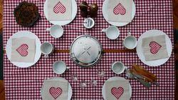 Un tavolo per 6. Nel Dpcm le raccomandazioni per le feste in casa: mascherina e presenze