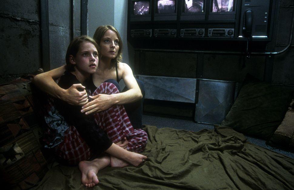 """Kristen Stewart and Jodie Foster in """"Panic Room."""""""