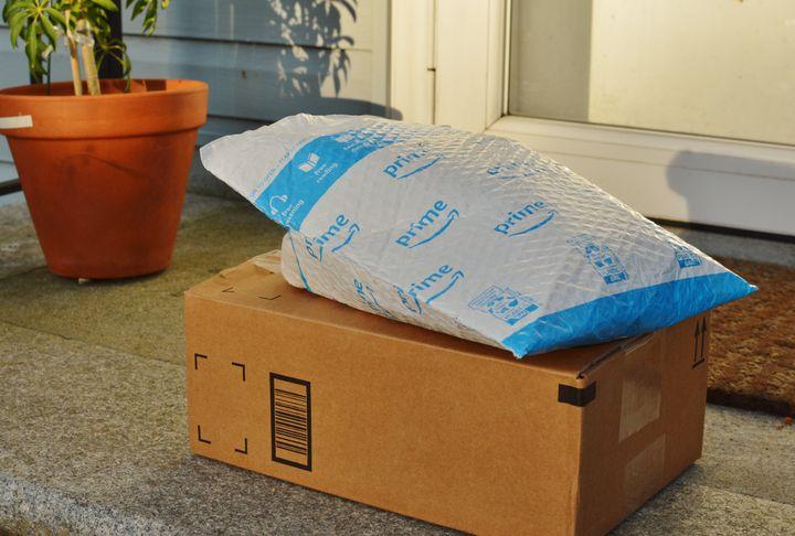 Un paquete de Amazon Prime.