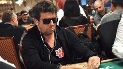 Cette photo de Patrick Bruel jouant au poker vaut le