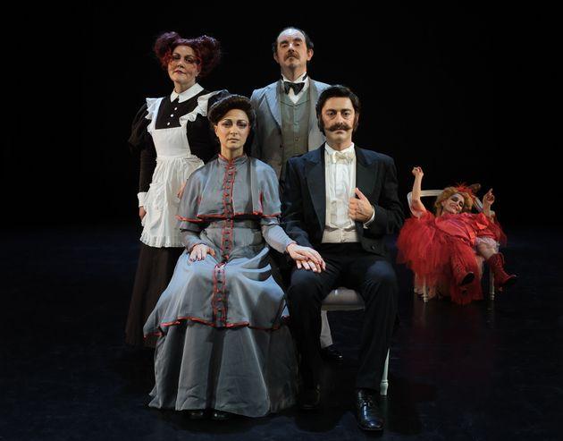 Εθνικό Θέατρο: «Εμείς με τη μάσκα κάναμε πάντοτε τέχνη. Και συνεχίζουμε» - Το ρεπερτόριο της νέας