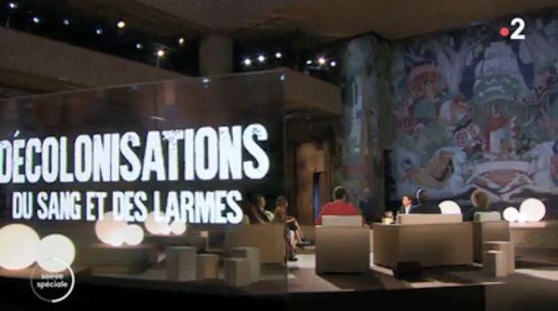 Le plateau du débat télévisé de France 2 consacré au documentaire