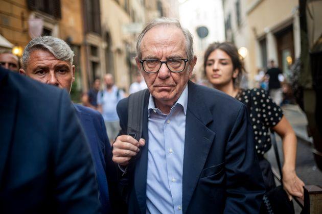 Porte girevoli per Padoan: l'ex ministro del Tesoro designato presidente di