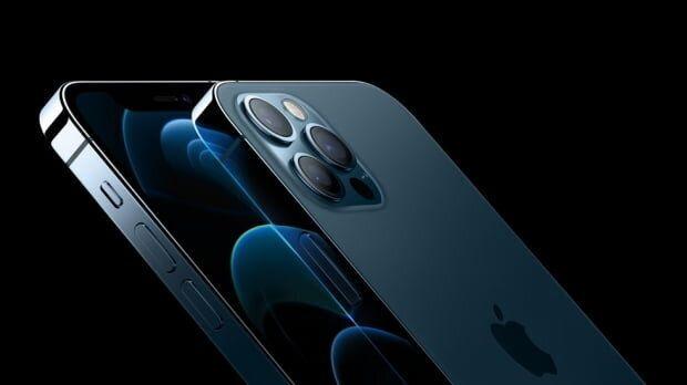 애플이 13일(현지시각) 첫 5G 스마트폰 '아이폰12'를