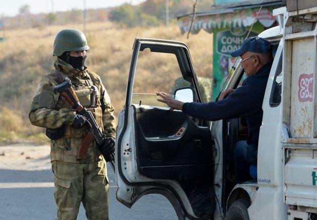 Πολιτική αναταραχή στο Κιργιστάν: ευκαιρία για μεταρρυθμίσεις ή ροπή στο χάος και το