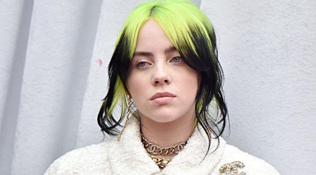"""Billie Eilish: """"Odiavo il mio corpo: mi tagliavo, mettevo vestiti larghi. A 12 anni, una pillola per dimagrire"""""""
