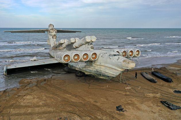To «τέρας της Κασπίας»: Σοβιετικό εκρανοπλάνο σε ακτή του