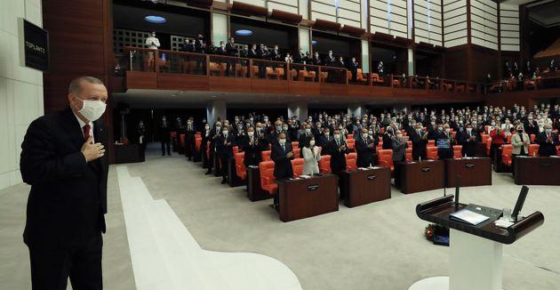Απειλεί ξανά ο Ερντογάν: «Δίνουμε στην Ελλάδα την απάντηση που της