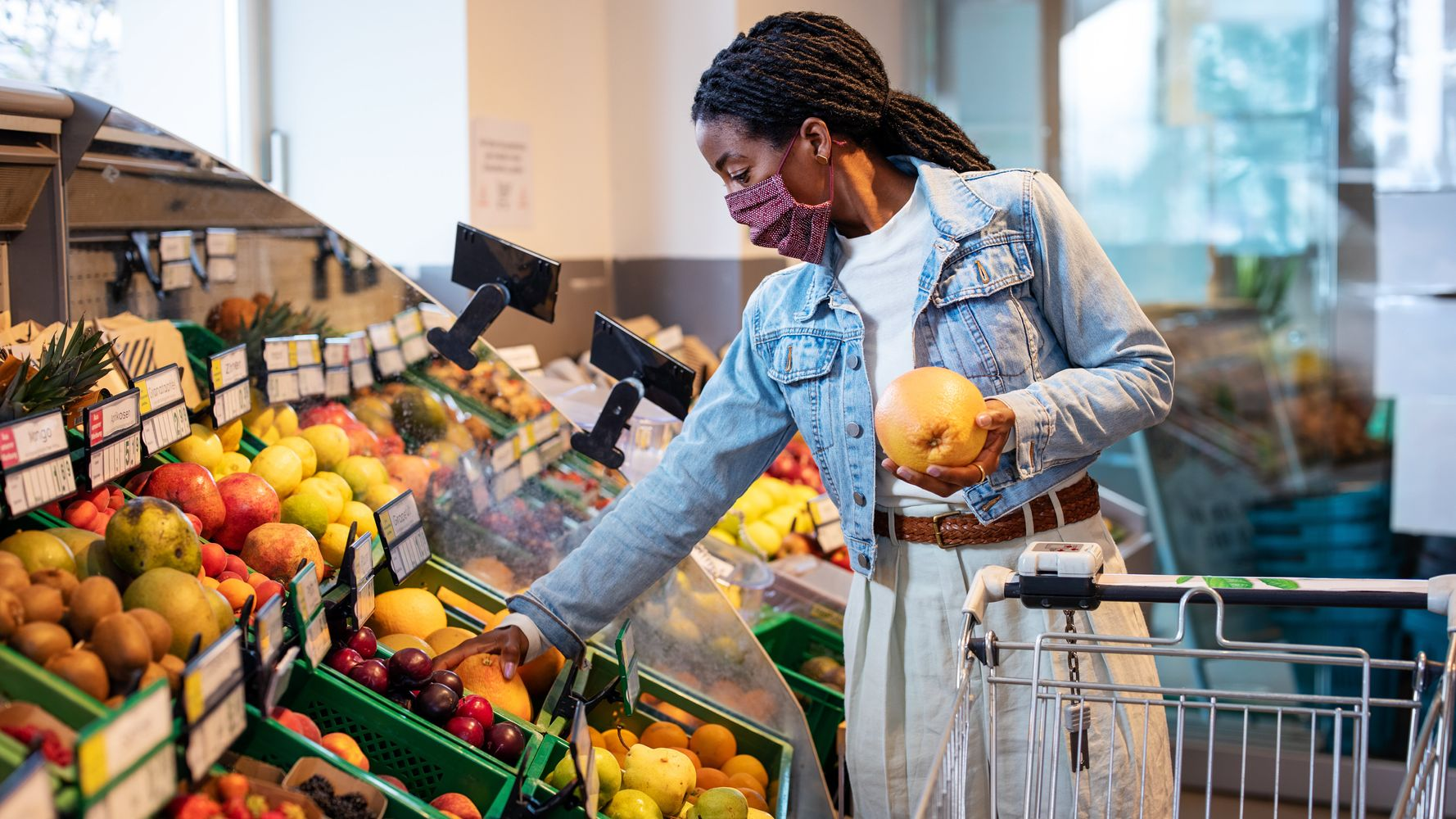 Tips For Smart, Stress-Free Grocery Shopping During The COVID-19 Pandemic