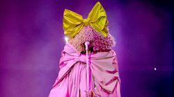 Sia's Billboard Music Awards Look Leaves Fans