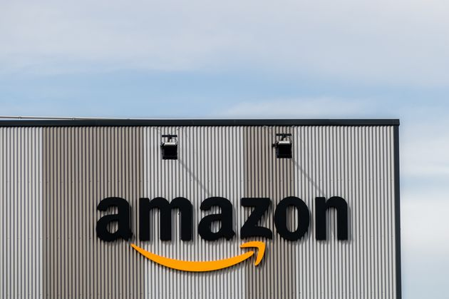 Un centro logístico de Amazon en Madrid (Marcos del Mazo/LightRocket via Getty